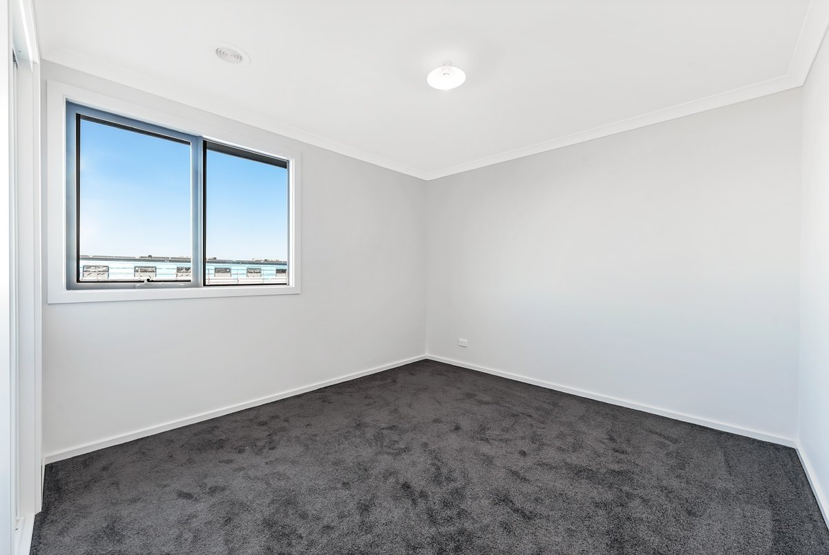 10 Plenty Way Cranbourne North - Photo 7