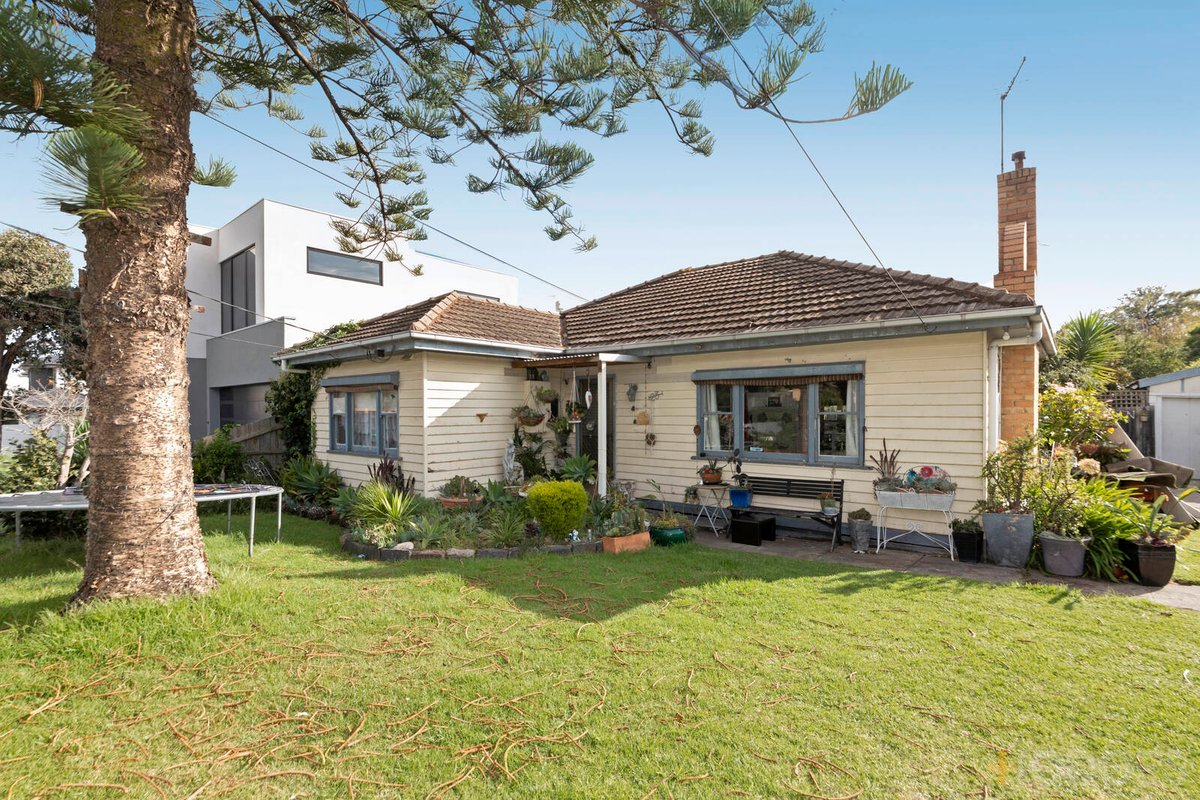 23 Celia Street Bentleigh East - Photo 1