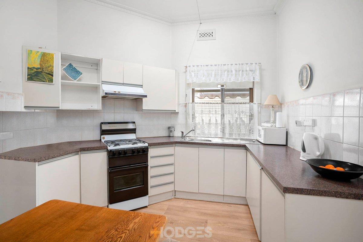 3 Anglesea Terrace Geelong West - Photo 3