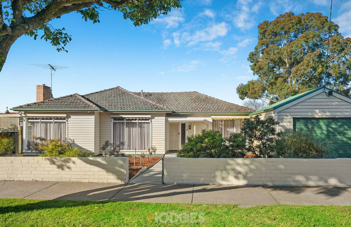 32 Purrumbete Avenue Manifold Heights - Photo 1