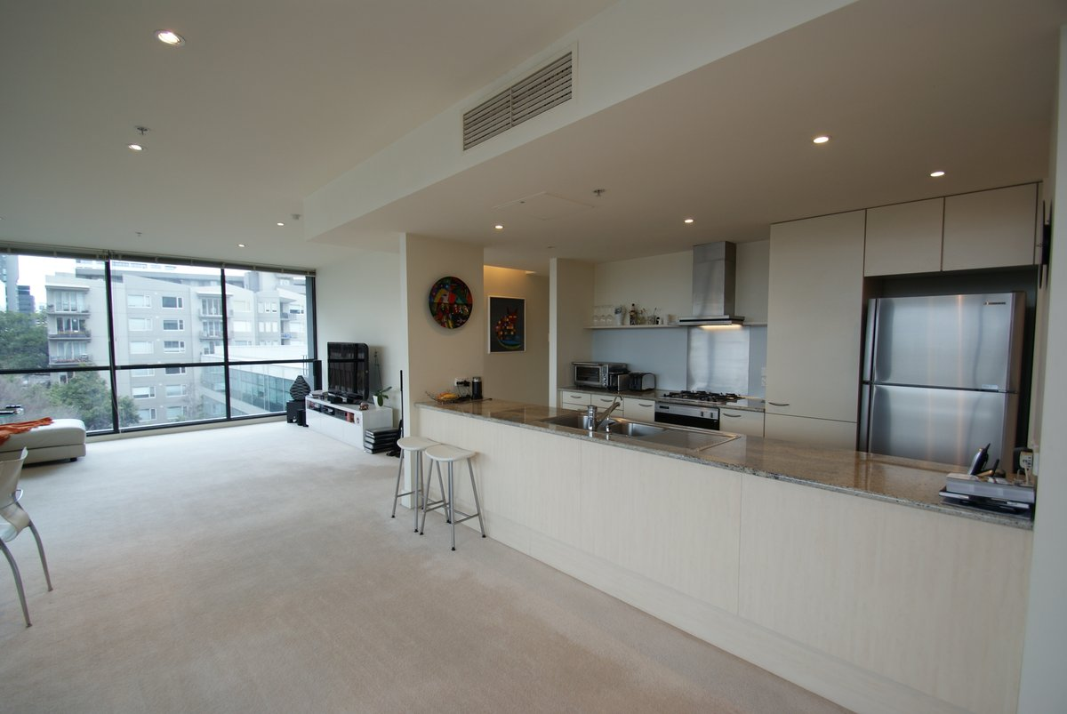 407/19 Queens Road Melbourne - Photo 2