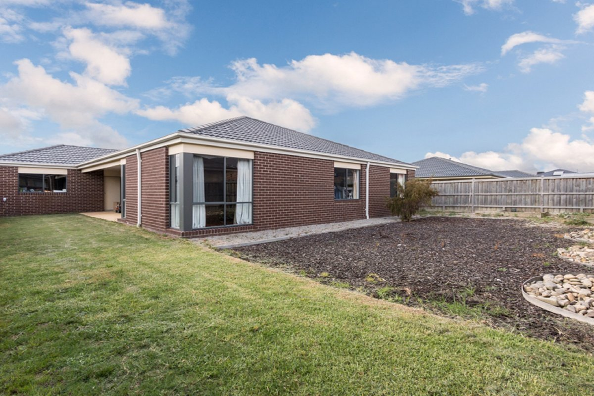 47 Bushranger Boulevard Cranbourne East - Photo 7