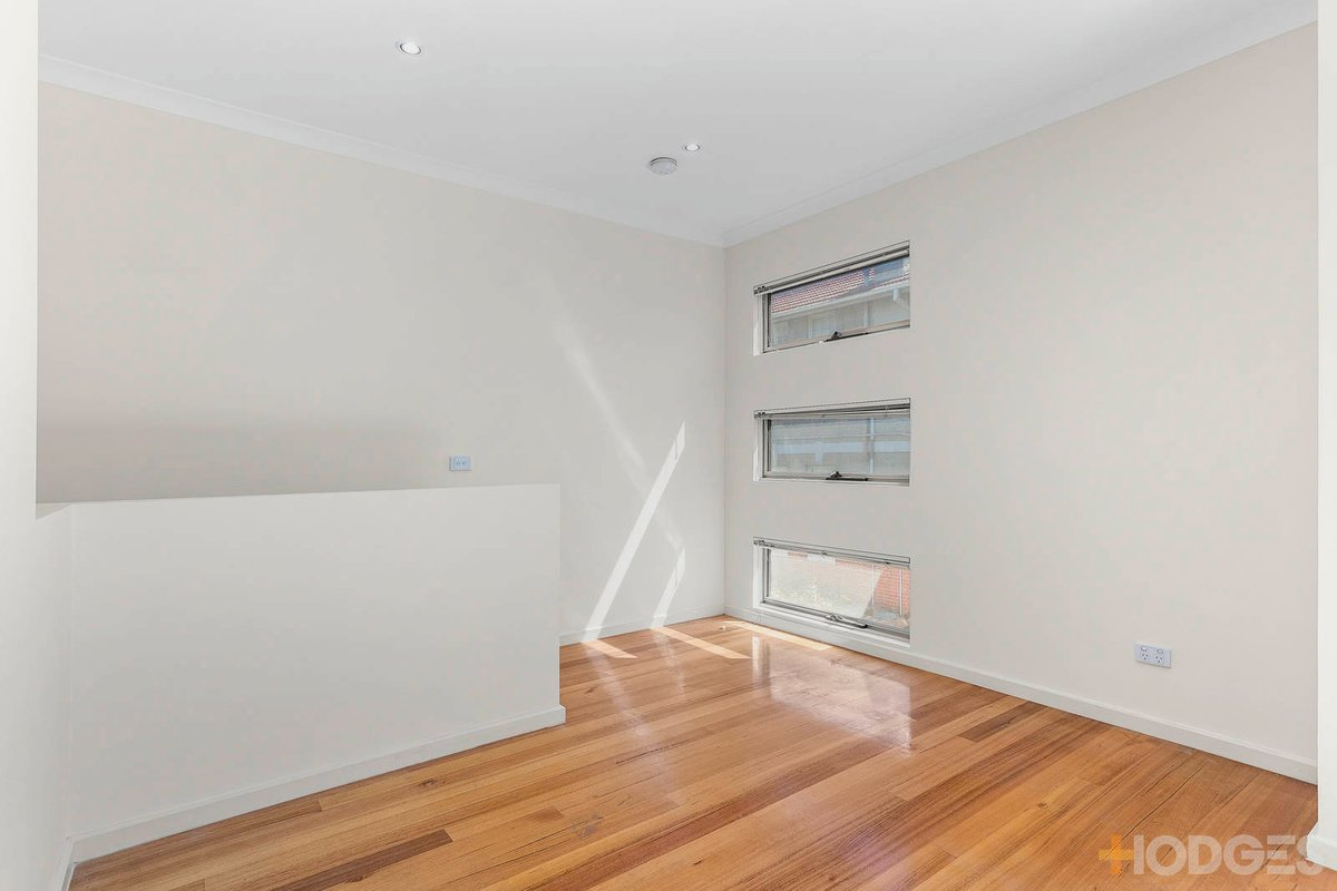 5/10 Rosamond Road Footscray - Photo 4