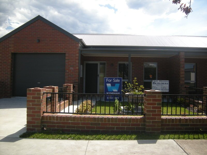 19 A and 19 B BROWNING Street, Orbost