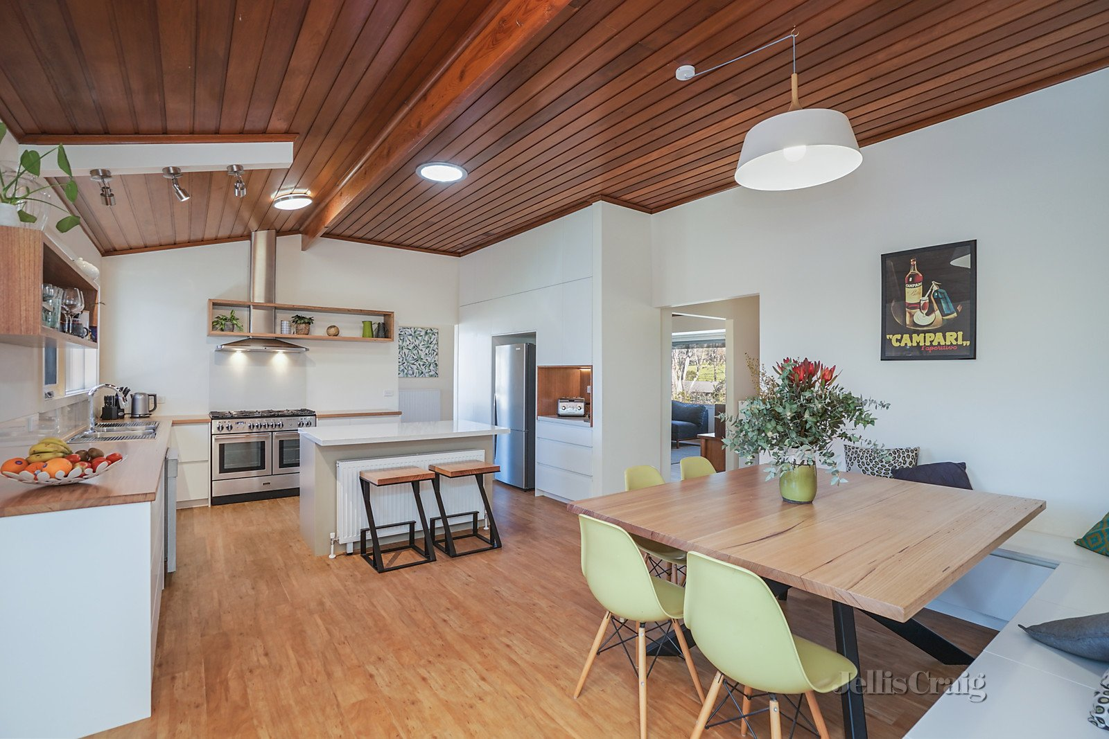 28 Odgers Road, Castlemaine    - Image 1