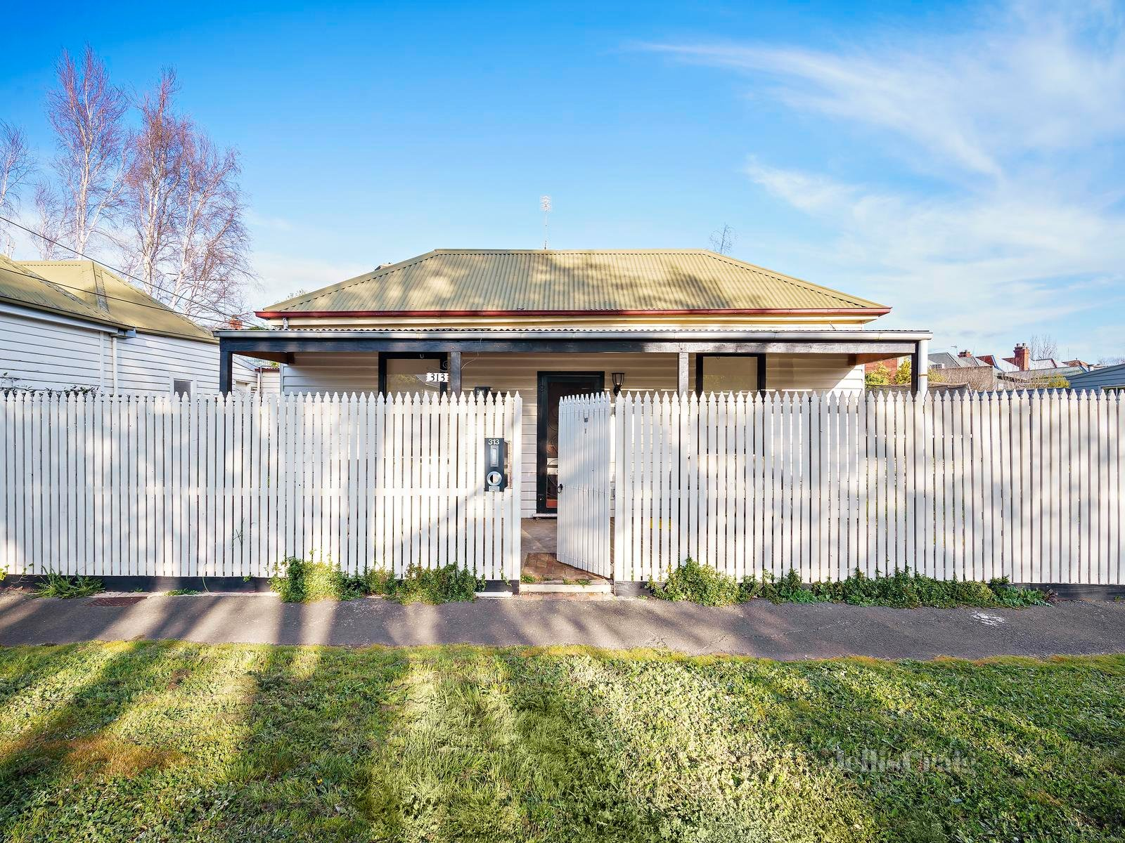 313 Humffray Street South, Golden Point - Print Image 1