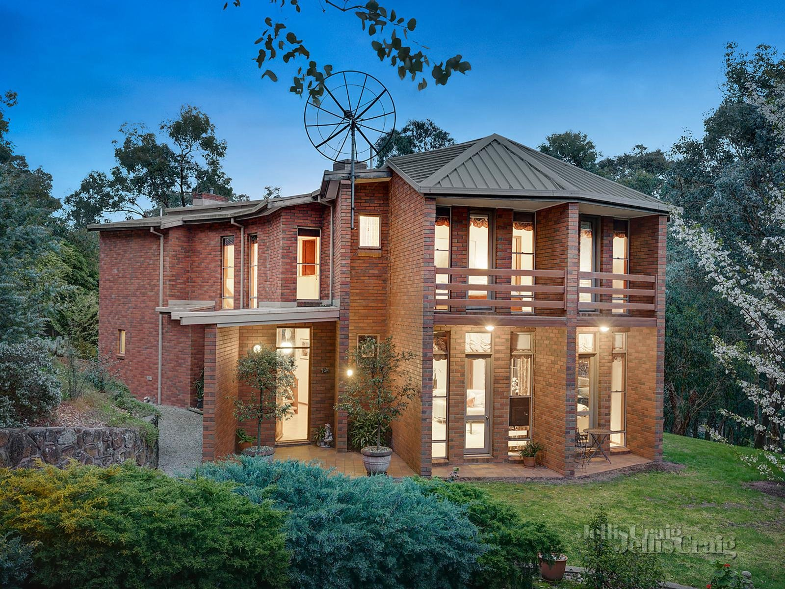 72-74 Smedley Road, Park Orchards    - Print Image 1