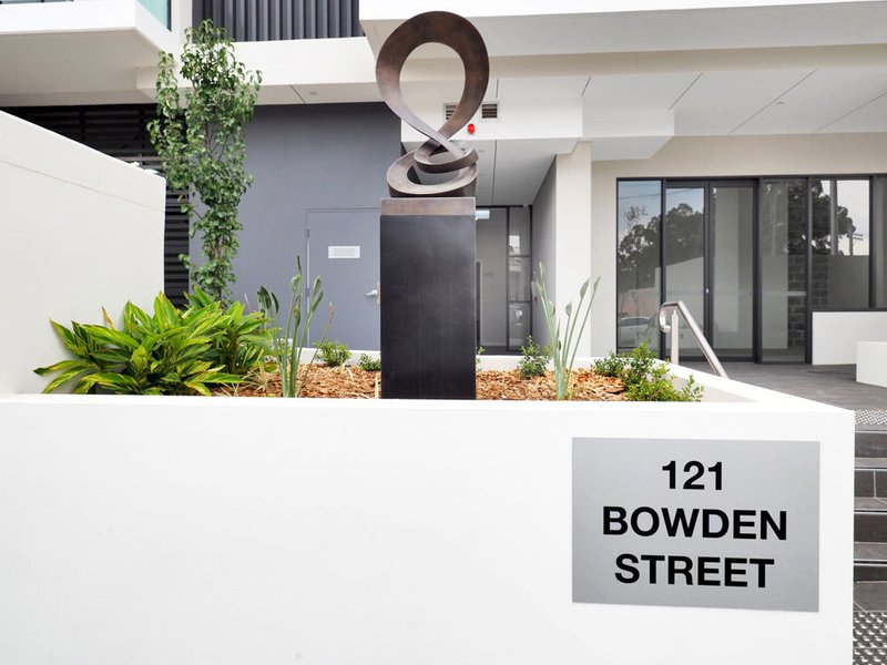 4/121 Bowden Street, Meadowbank image-1