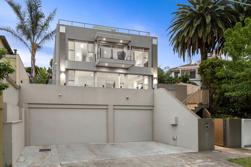 Oliver Booth - 1 Grong Grong Court Toorak - Photo