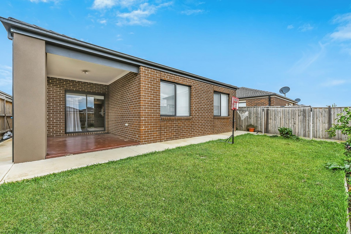 111 Wheelers Park Drive Cranbourne North - Photo 8