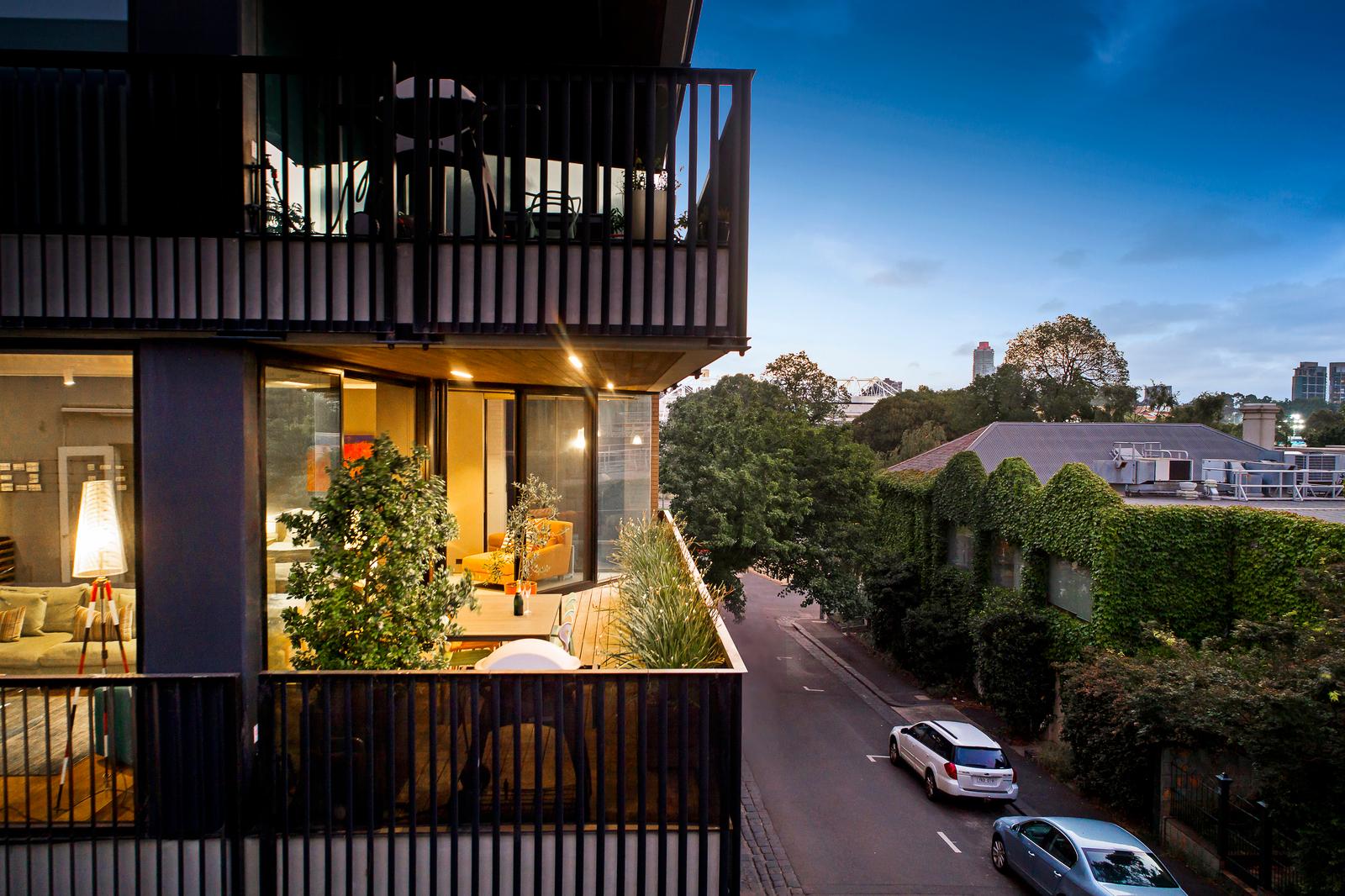 1/16 Agnes Street, East Melbourne 3002 - Image 2