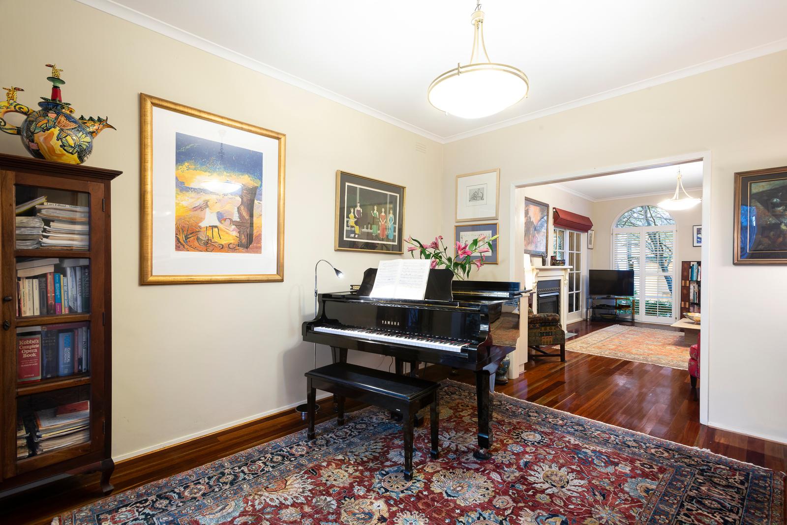 138 George Street, East Melbourne 3002 - Image 2