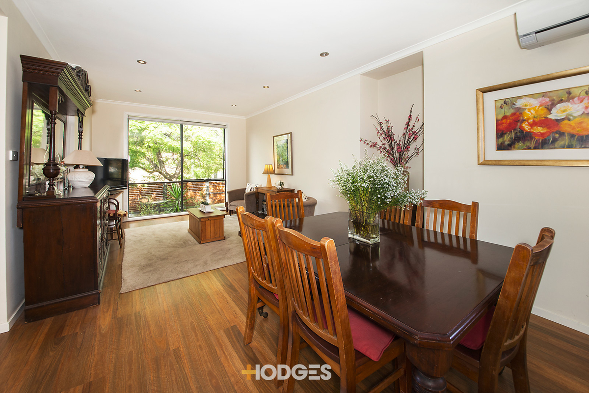 14 Kingswood Road Cheltenham - Photo 3