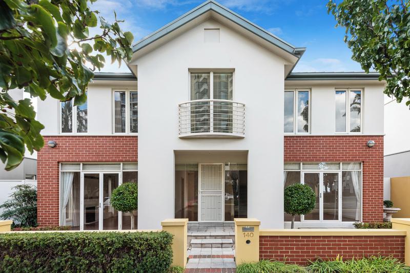 140 Beach Street, Port Melbourne 3207
