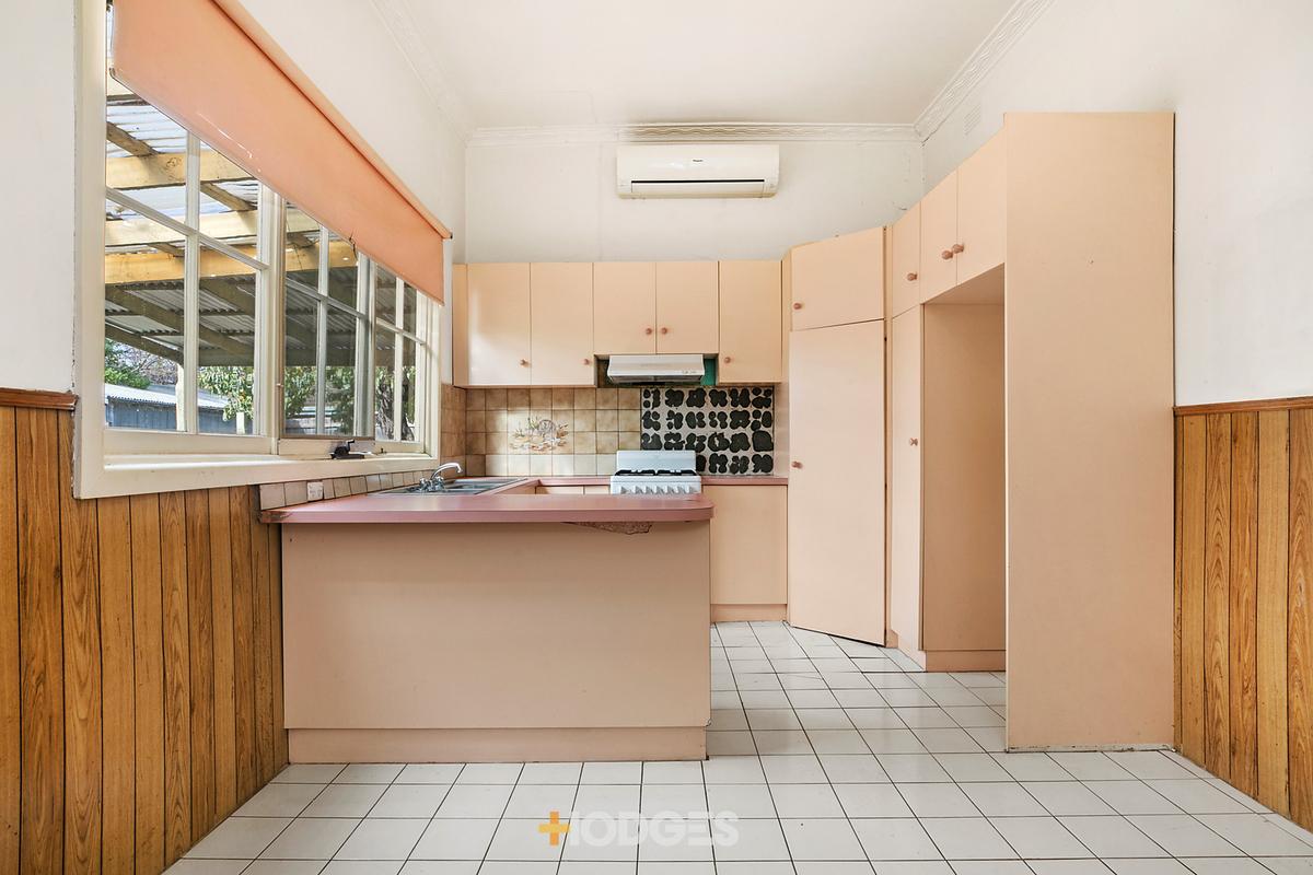 17 Maitland Street Geelong West - Photo 3