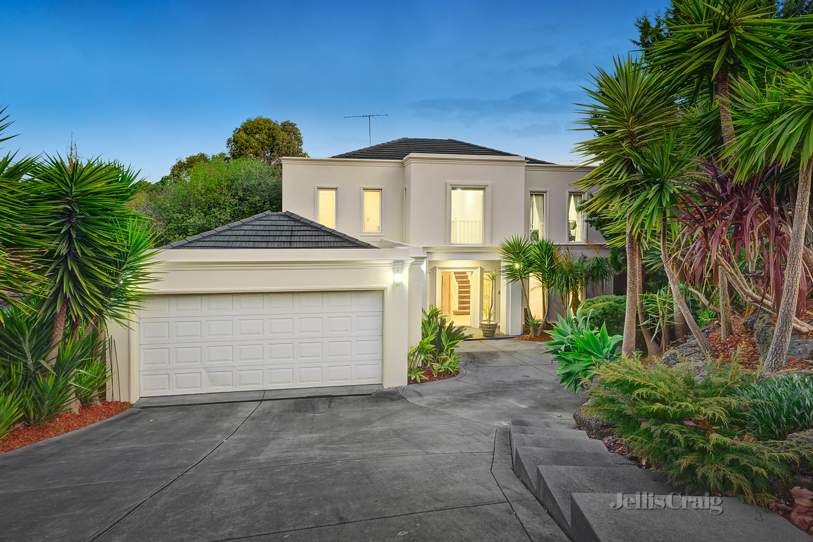 2 Ridley Court, Doncaster East    - Print Image 1