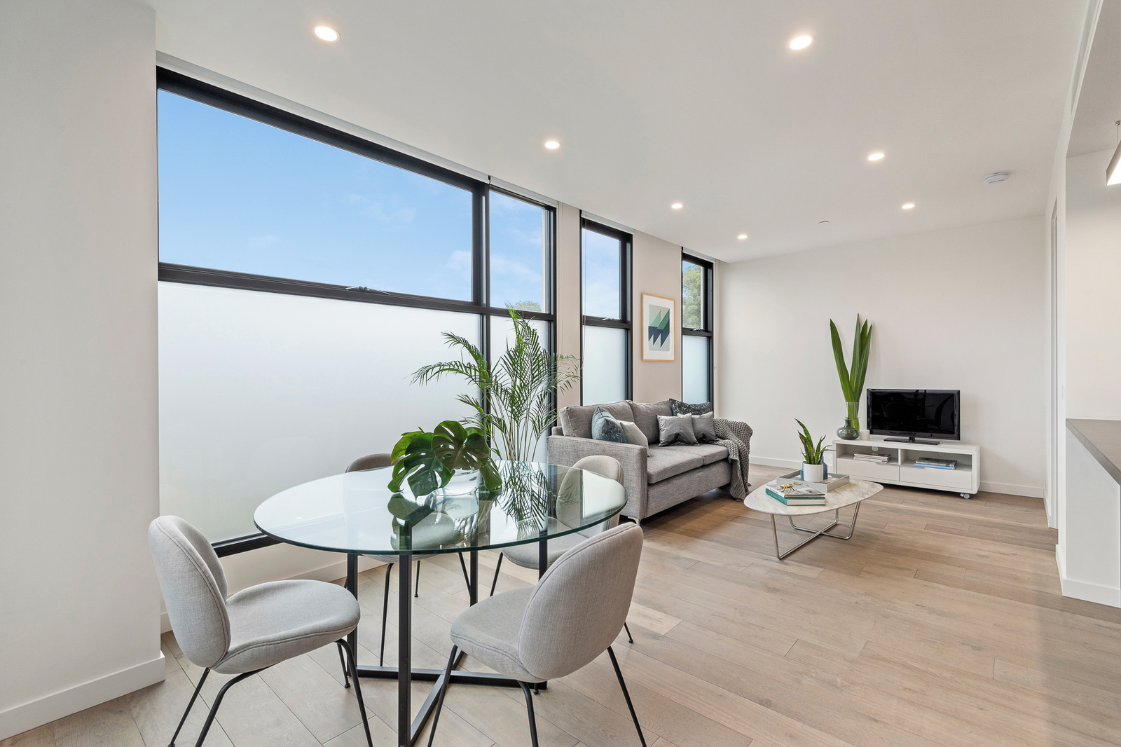 2.02/780 Riversdale Road, Camberwell 3124 - Image 3