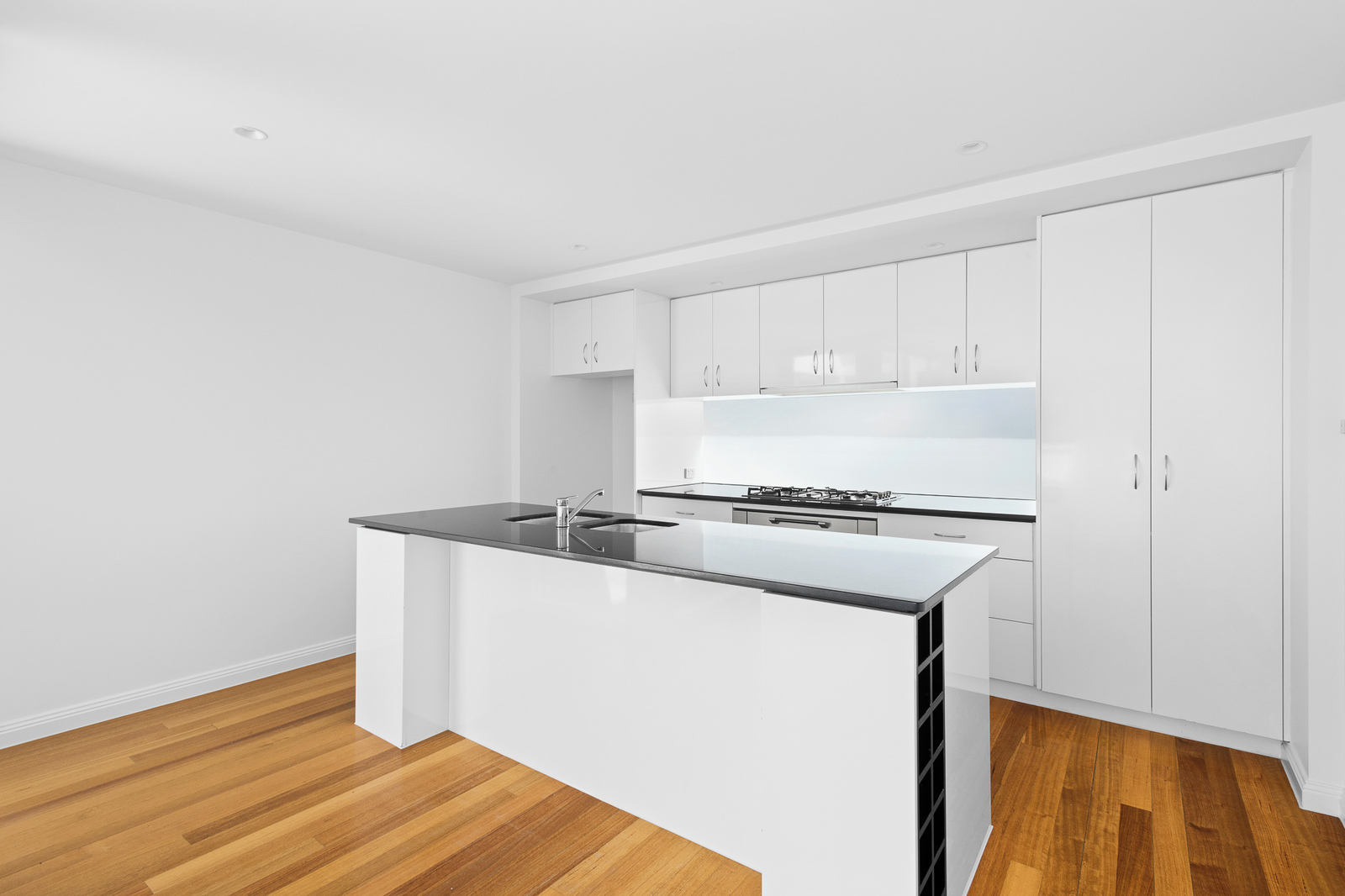 246 Moray Street, South Melbourne 3205 - Image 2