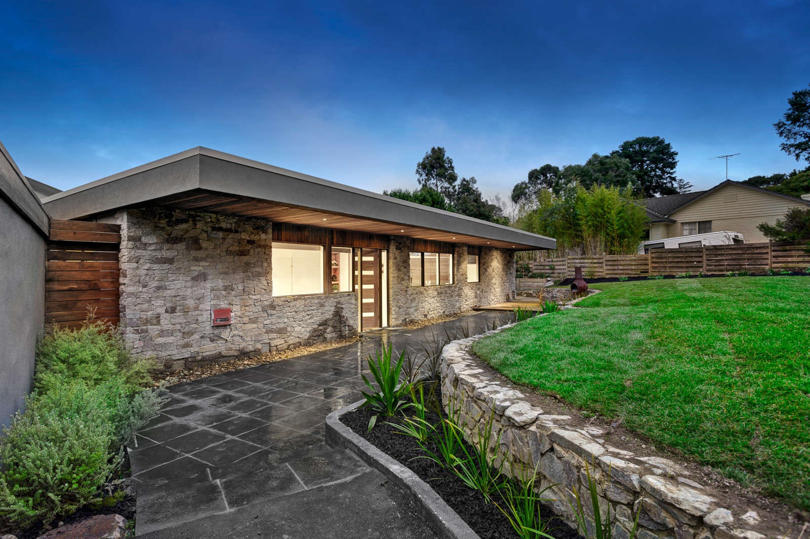 29 Dalry Avenue, Park Orchards    - Print Image 1