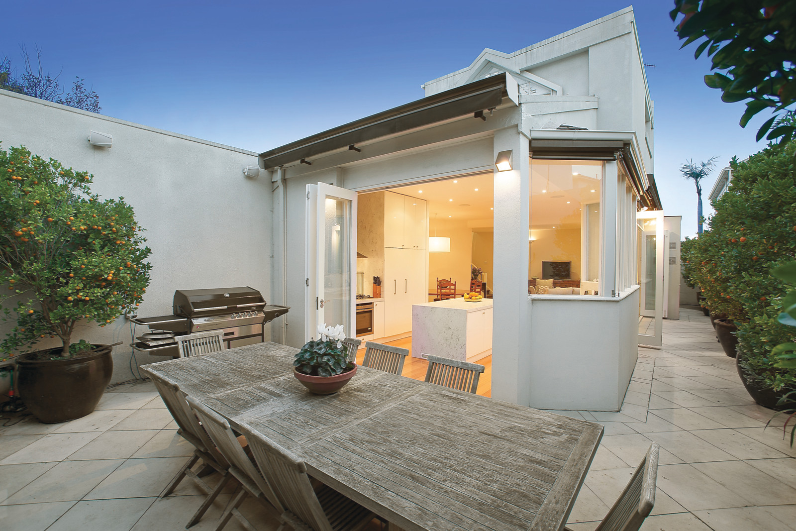 2c Mathoura Road, Toorak    - Print Image 1