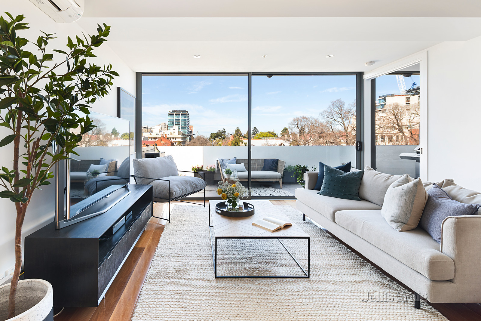 303/35 Victoria Parade, Collingwood    - Print Image 1
