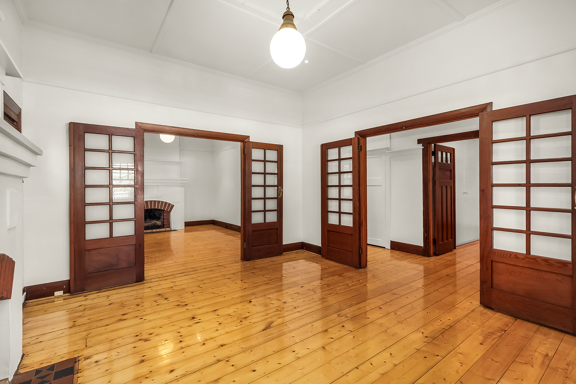 34 Shelley Street, Elwood 3184 - Image 2