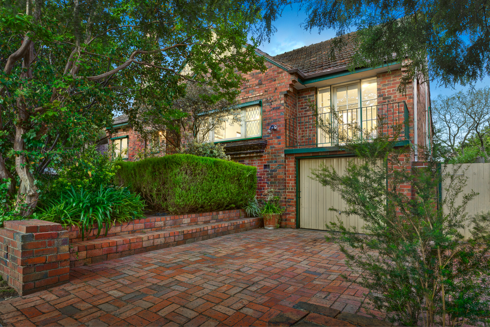 4 Beauview Parade, Ivanhoe East    - Image 1