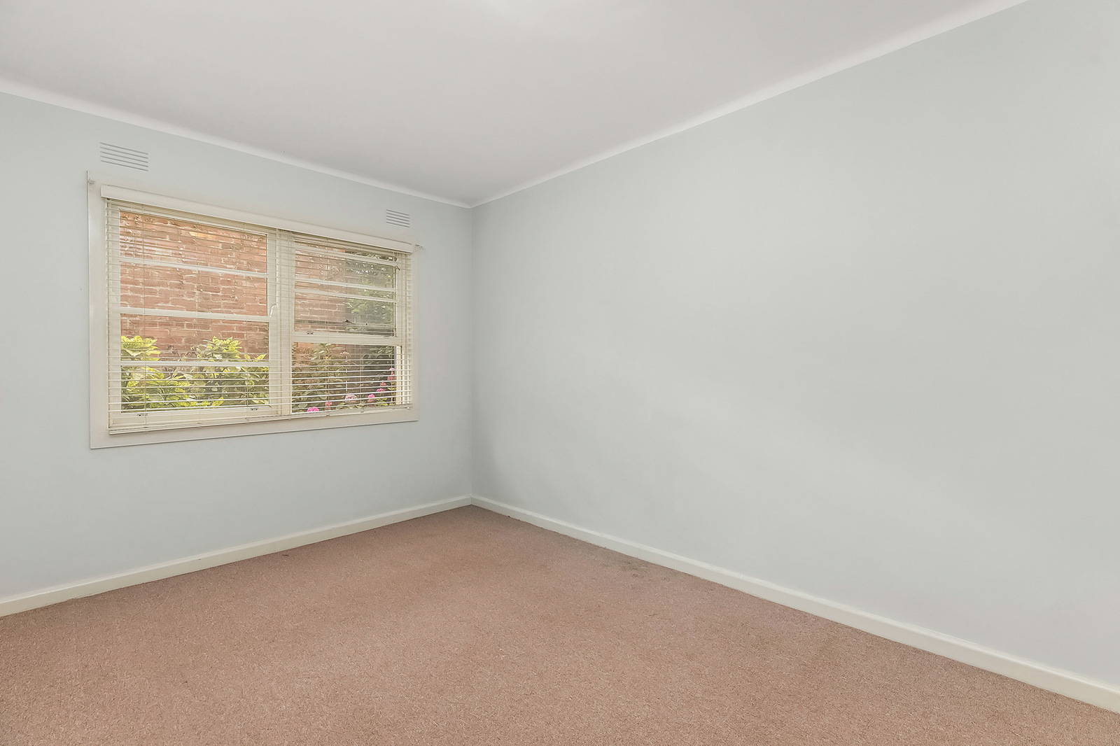4/169 Ormond Road, Elwood 3184 - Image 2