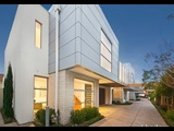 4/4         Beach         Road     Beaumaris - Photo 1