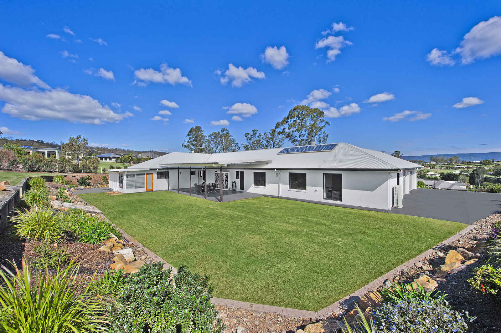5 vaucluse court samford valley