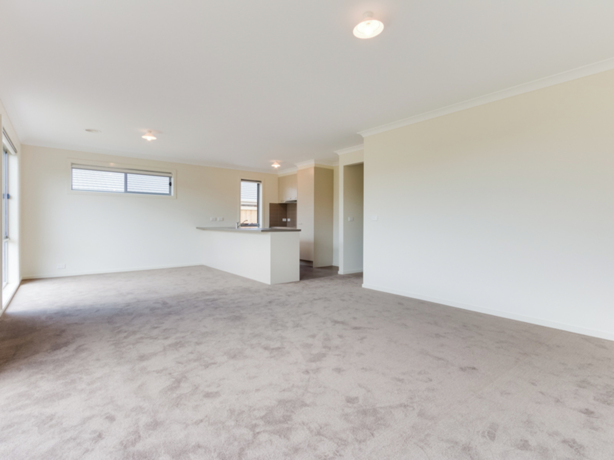 50 Chantenay Parade Cranbourne North - Photo 4