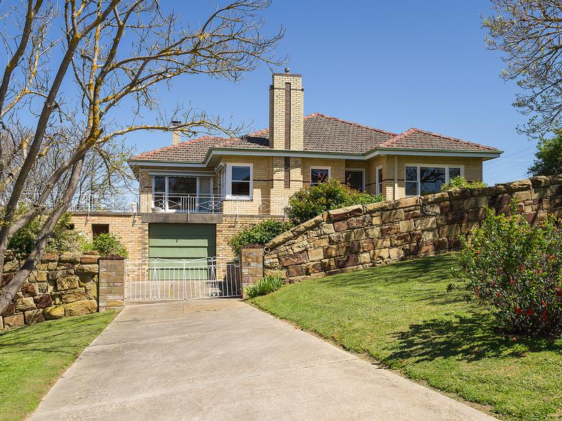 52 Bowden Street, Castlemaine - Image 1