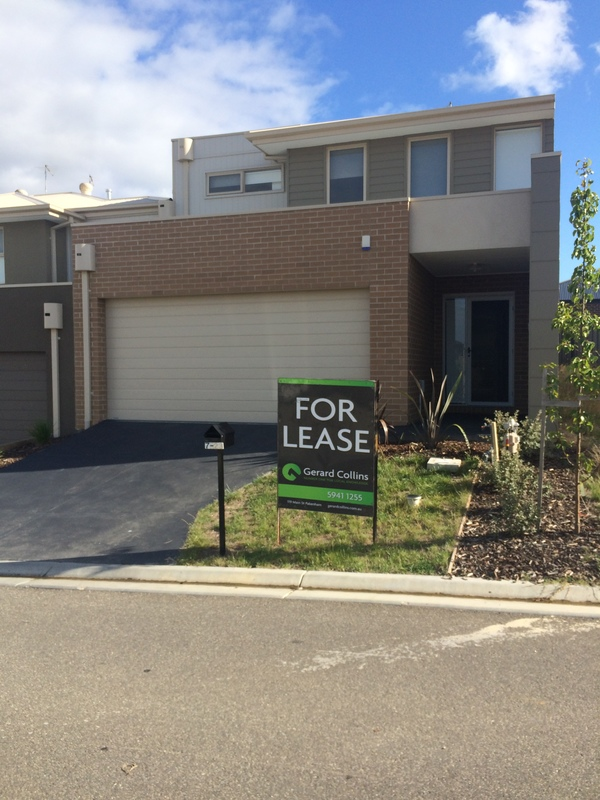 Near New Spacious 4 Bedroom Townhouse!!
