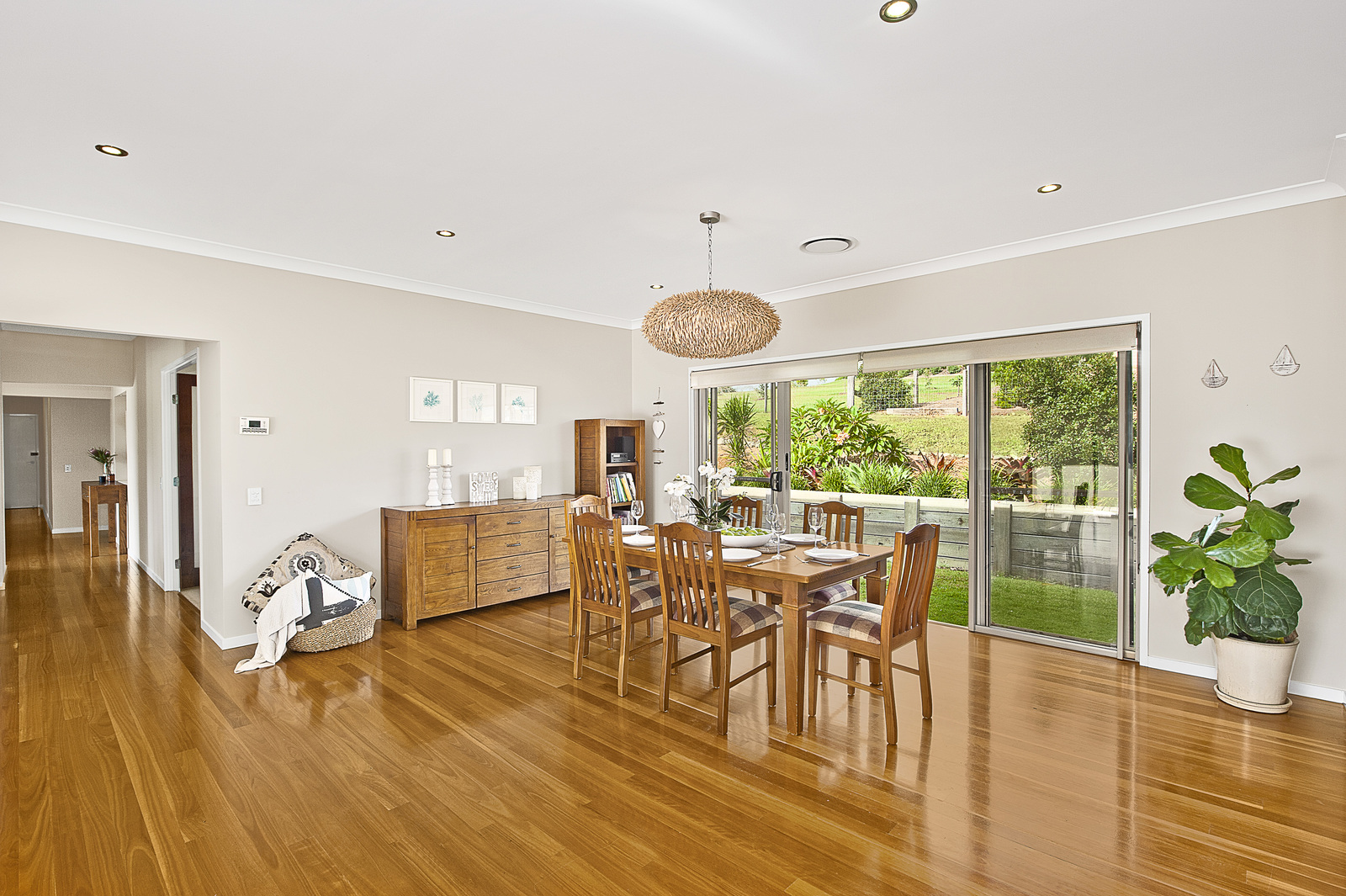 8 vaucluse court samford valley