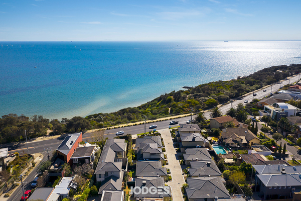 8/184 Beach Road Sandringham