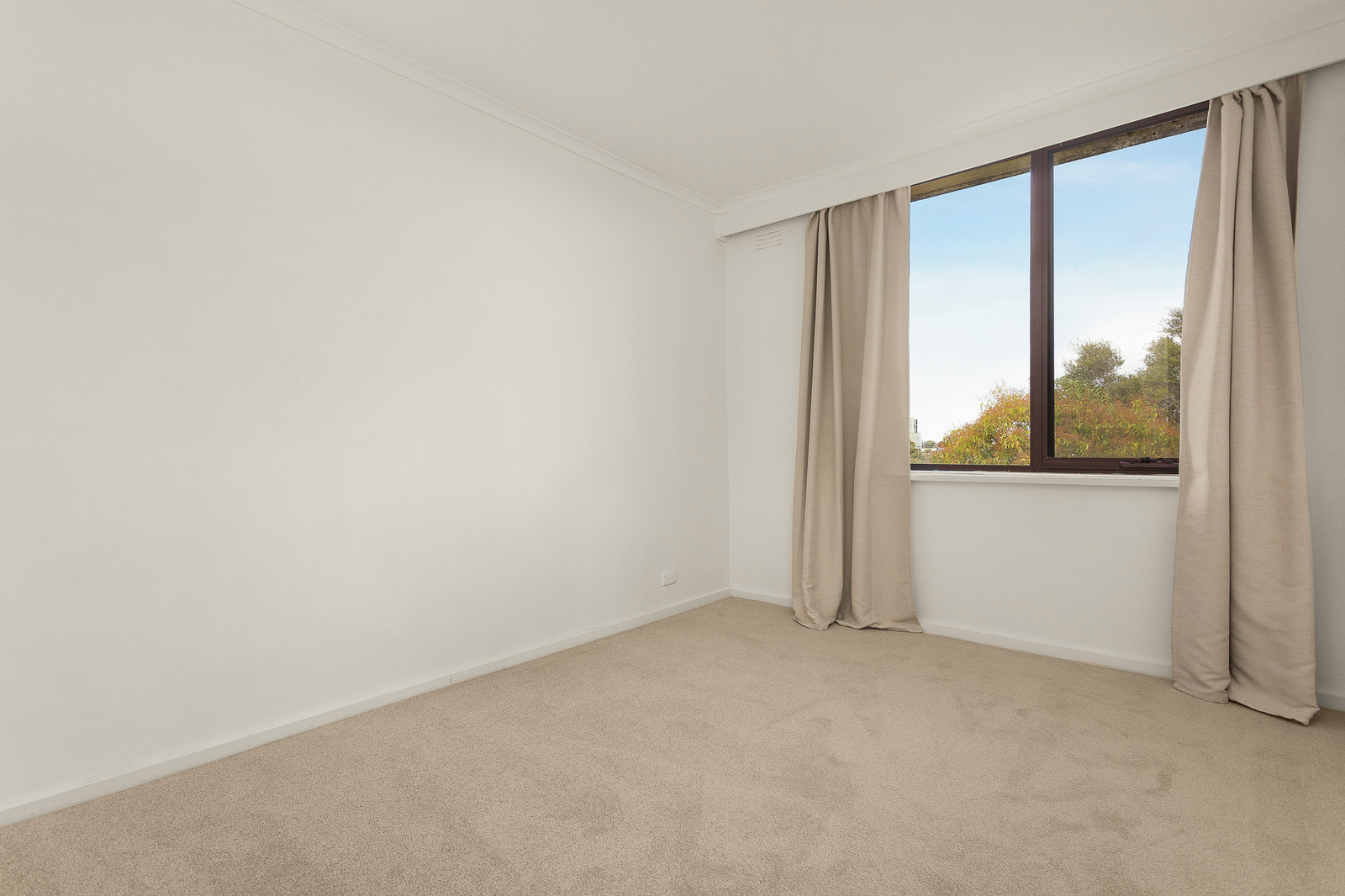 8/3 Burwood Avenue, Hawthorn East 3123 - Image 3