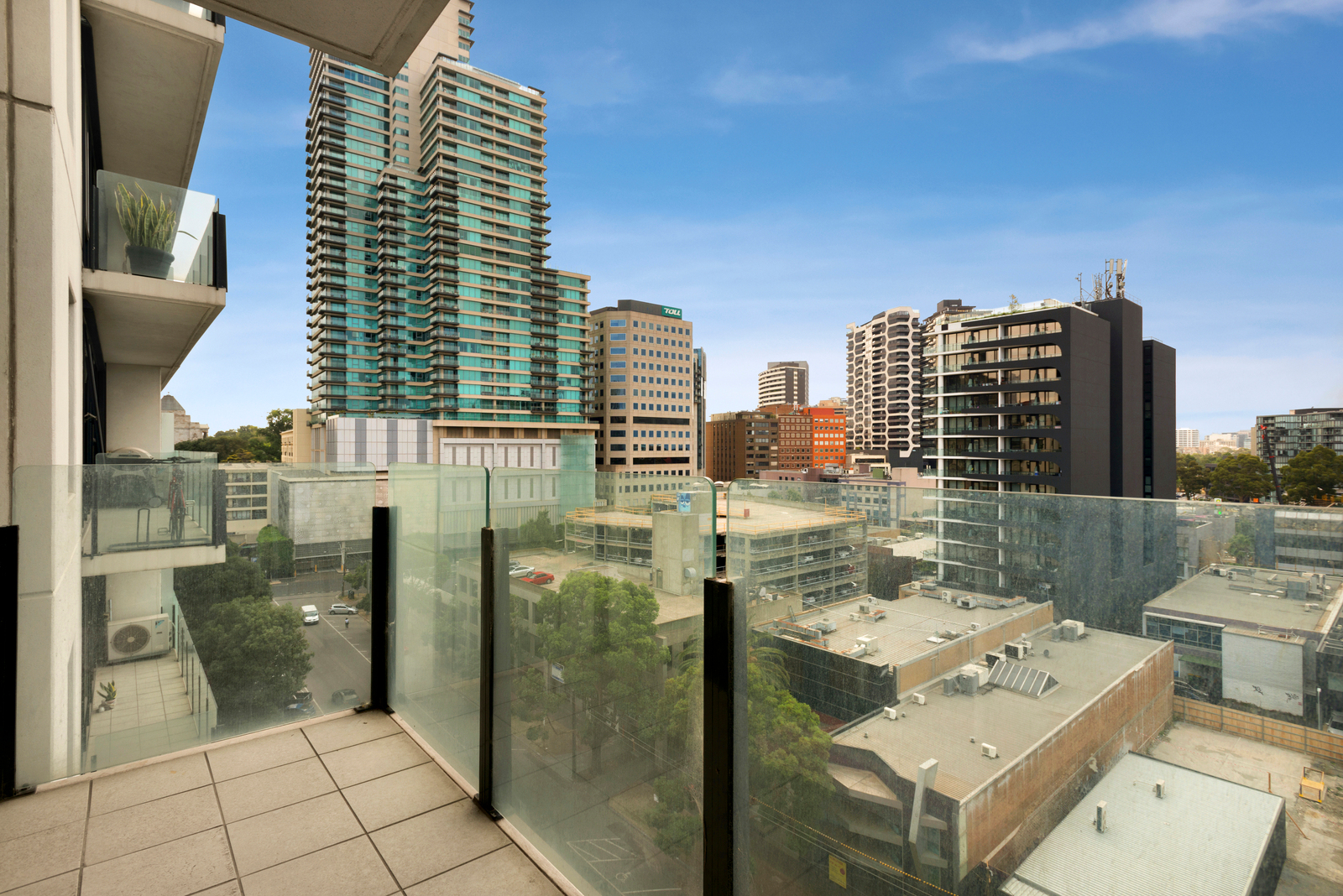 909/38 Bank Street, South Melbourne 3205 - Image 2