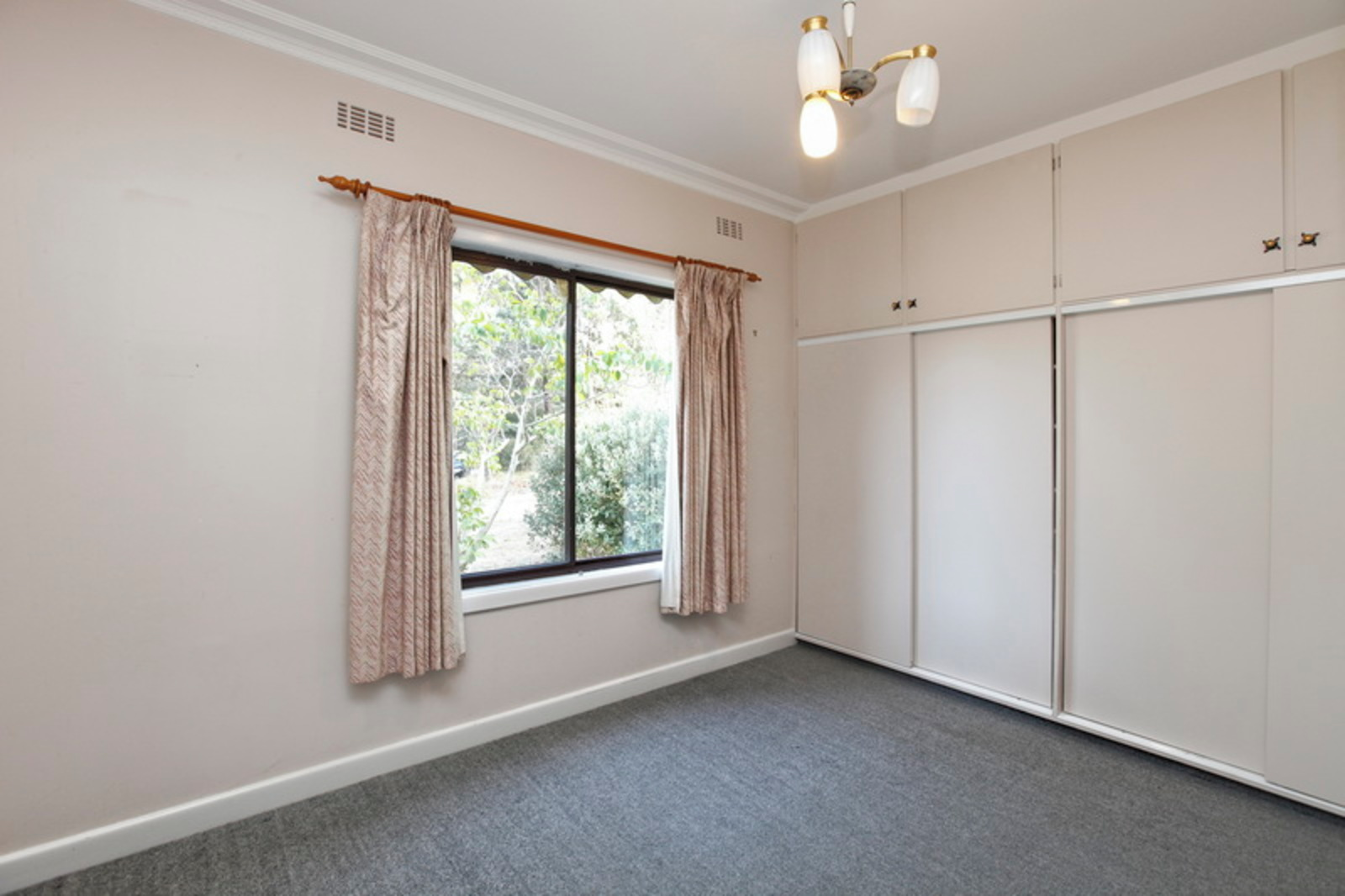 98 Marsh Court, Woodend 3442 - Image 7