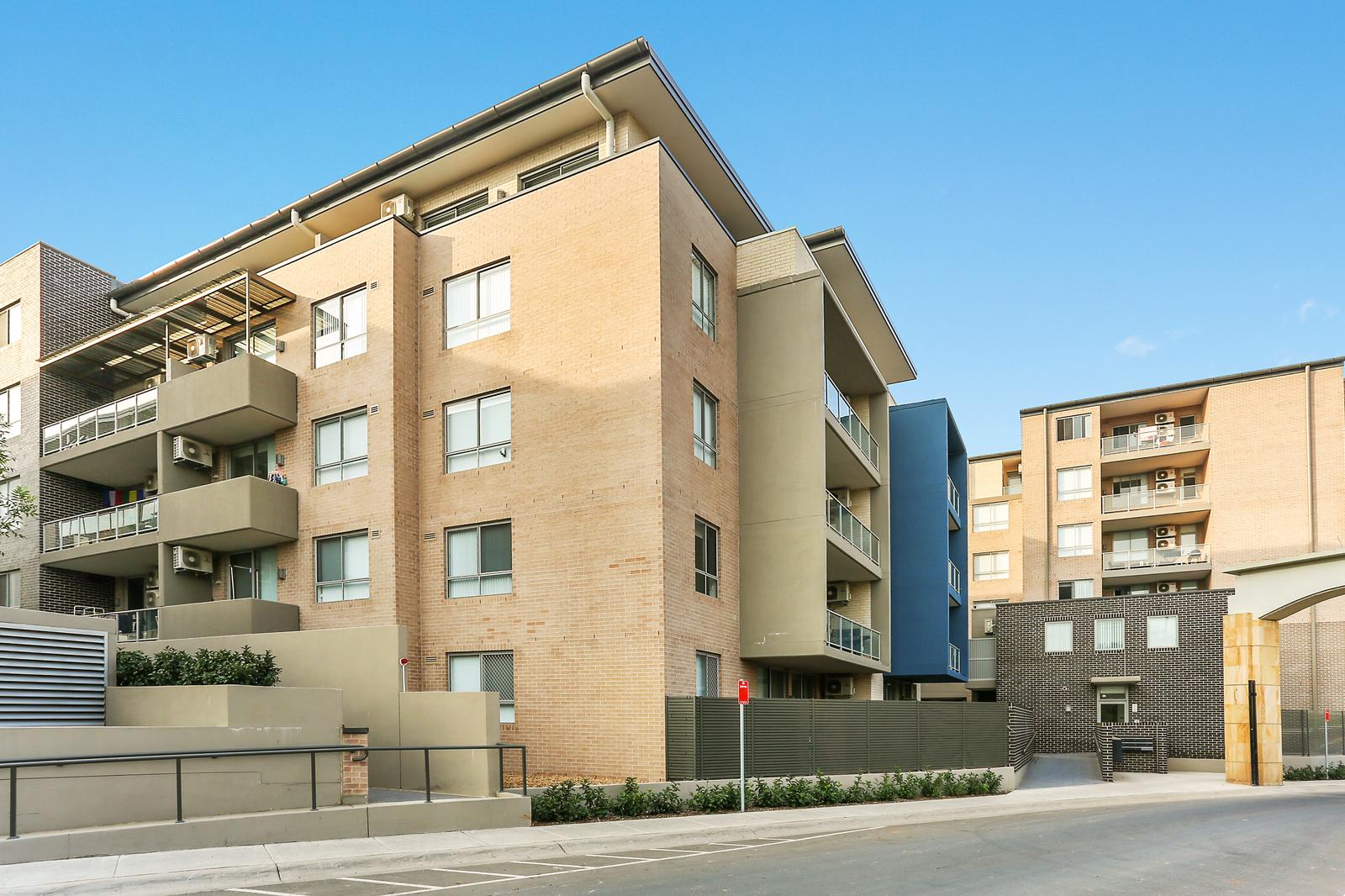 O106 81 86 Courallie Avenue Homebush West NSW 2140